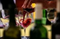 Látky v červenom víne pomáhajú proti metabolickému syndrómu